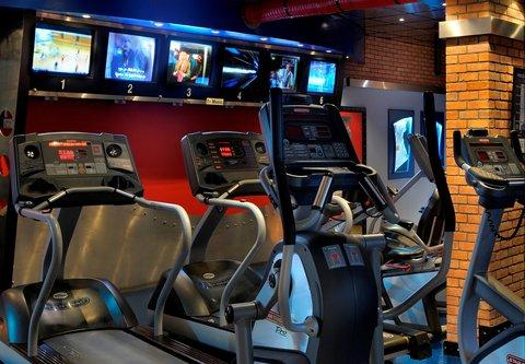 فندق ماريوت جي دبليو دبي - Griffins Health Club   Cardio Area