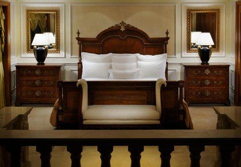فندق ماريوت جي دبليو دبي - JW Royal Suite Bedroom