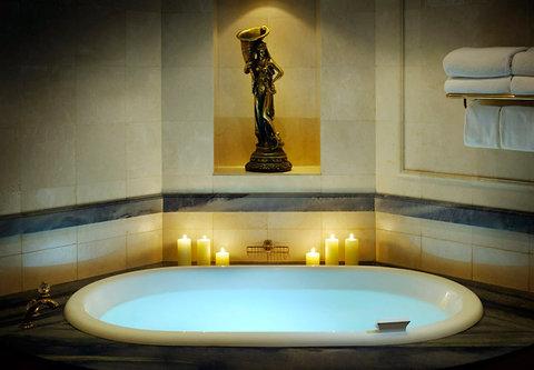 فندق ماريوت جي دبليو دبي - JW Royal Suite Bath