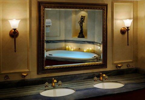 فندق ماريوت جي دبليو دبي - Dubai JW Royal Suite Bath