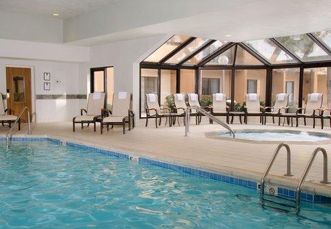 Courtyard By Marriott Kansas City Hotel - Indoor Pool   Whirlpool
