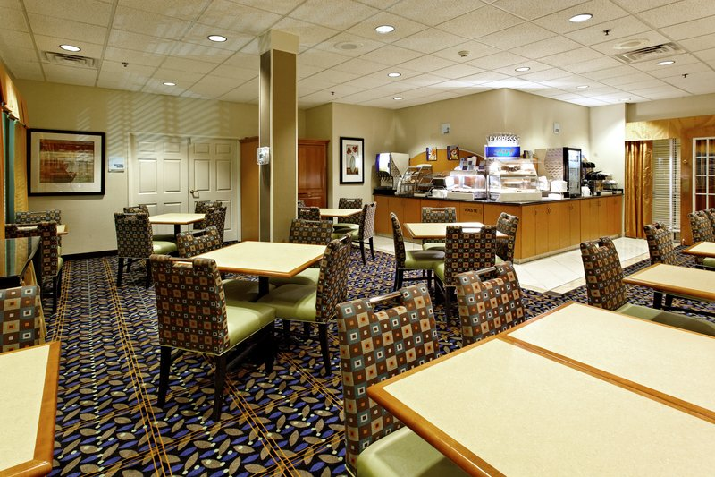 Holiday Inn Express Hotel & Suites - Evansville, IN
