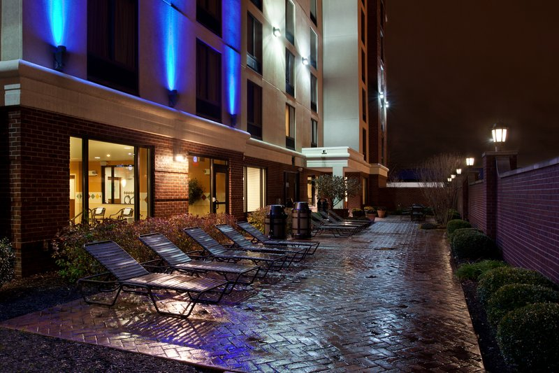 Holiday Inn Express & Suites INDIANAPOLIS DTN-CONV CTR AREA - Indianapolis, IN