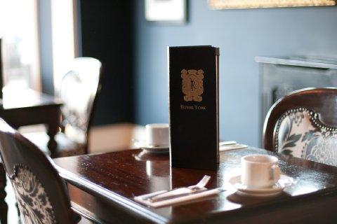 The Lofts At The Royal York Hotel - Bar