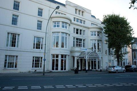 The Lofts At The Royal York Hotel - Exterior