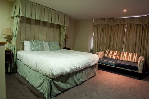 The Lofts At The Royal York Hotel - Guest Room