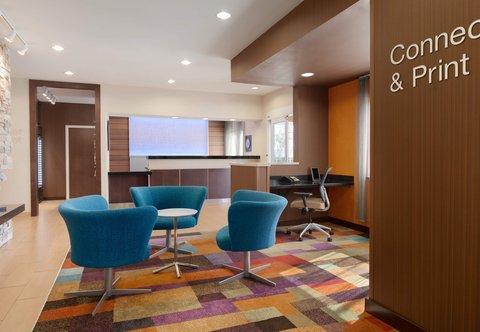 Fairfield Inn Longview Hotel - Lobby Sitting Area