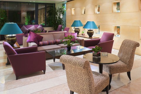 Crowne Plaza Beirut Hotel - Falls Lounge offers a avariety of cakes and pastries