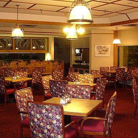 Alpine Lodge Magnuson Hotel - Breakfast Room