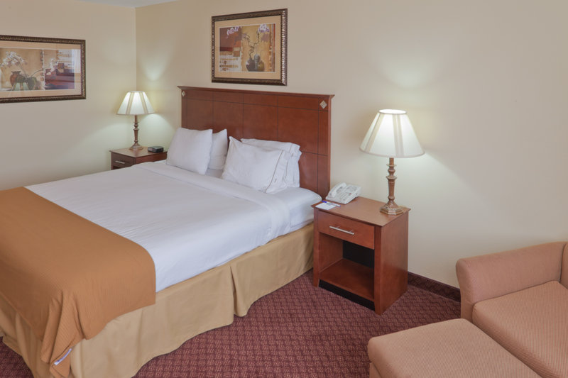 Holiday Inn Express - Rapid City, SD