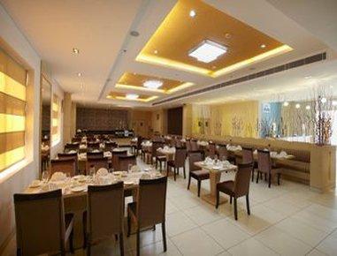 Days Hotel Neemrana Jaipur Highway - Royal Affair Cafe