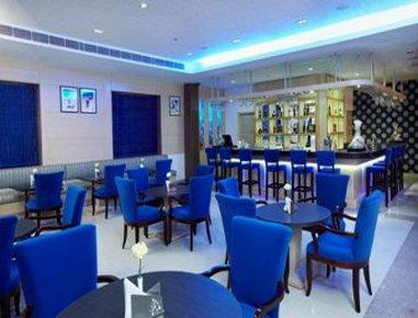 Days Hotel Neemrana Jaipur Highway - Bleu - The Bar