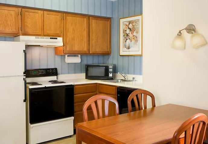 Residence Inn Las Vegas Green Valley Odanın görünümü