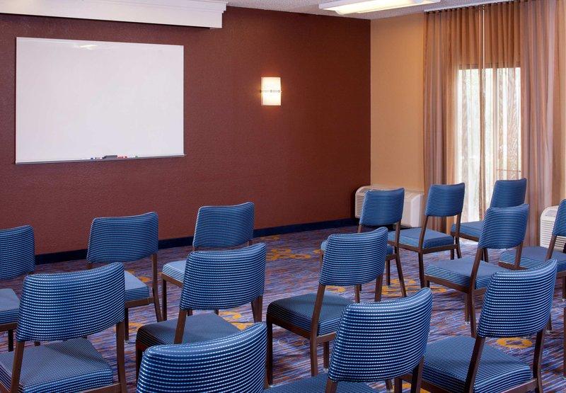 Courtyard Jacksonville Mayo Clinic/Beaches Sala de conferências