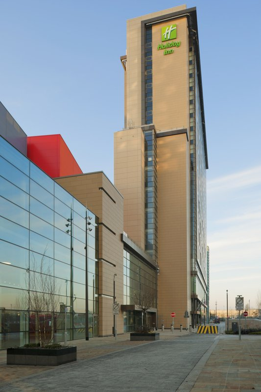 Holiday Inn Manchester Mediacity UK Exterior view