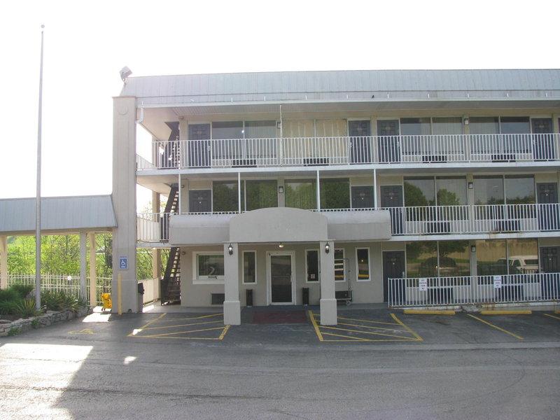 Country Hearth Inn - Erlanger, KY