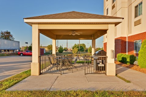 Candlewood Suites CLARKSVILLE - Guest Patio