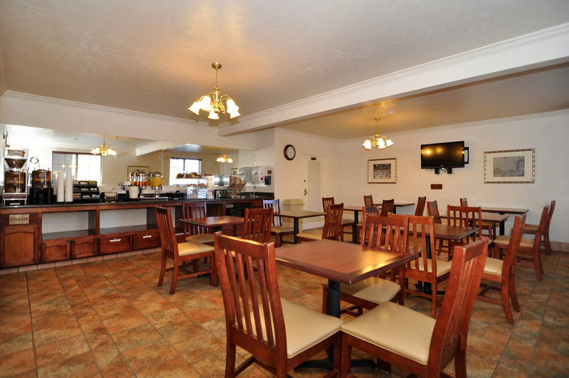 Best Western Plus Salinas Valley Inn & Suites - Salinas, CA