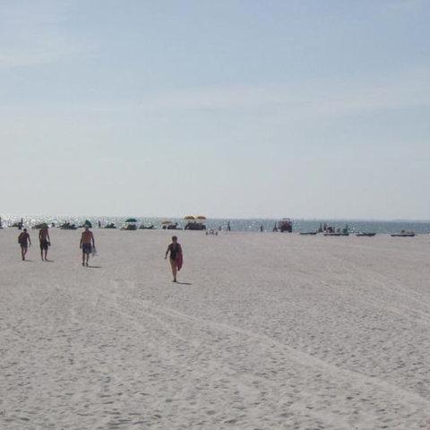 Gulfview Manor Resort - Beach