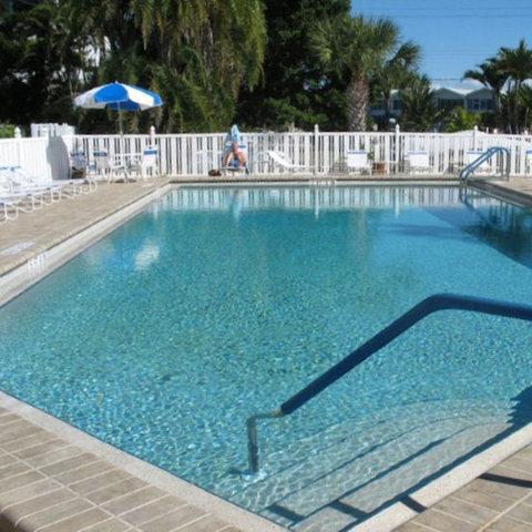 Gulfview Manor Resort - Pool