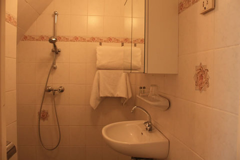 Vijaya Hotel Amsterdam - Bathroom
