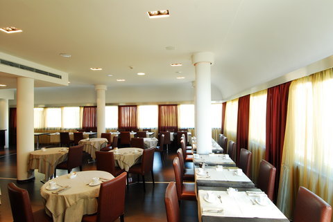 Cosmopolitan Hotel - Breakfast