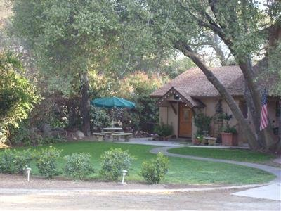 Sequoia River Dance B&B - Three Rivers, CA
