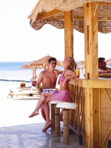 Coral Beach Resort Montazah - Palms Beach Bar