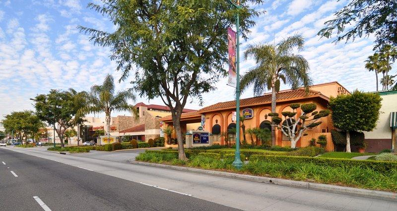 Hotels Near Disneyland®, Anaheim Resort - Travelocity