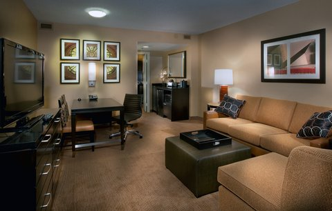 Embassy Suites Chicago - Downtown - Suite Parlor Right
