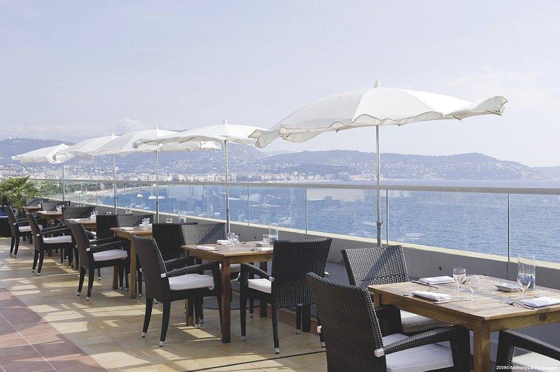 Radisson Blu Hotel Nice 酒吧/休息厅