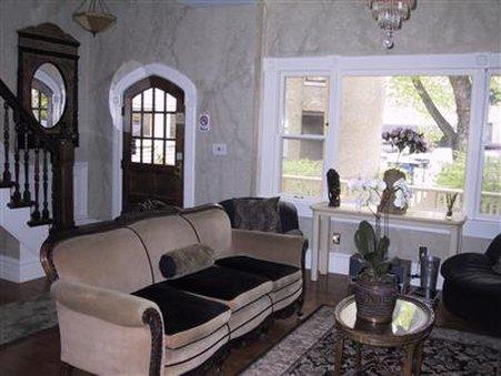Villa Toscana Guest House - Chicago, IL