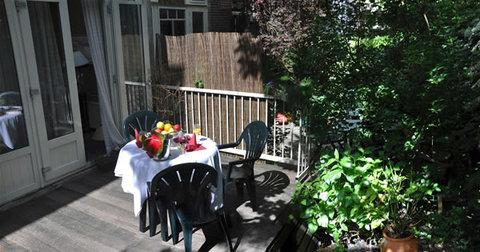 Apple Inn - Garden