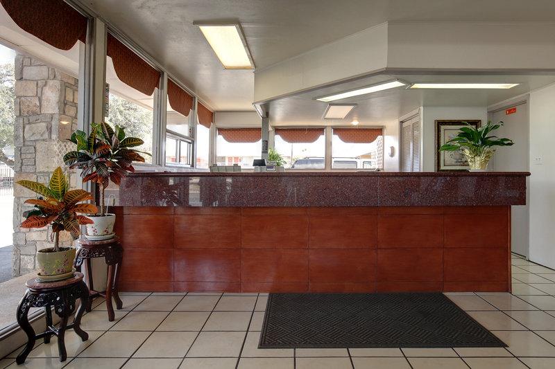 Americas Best Value Inn - Uvalde, TX