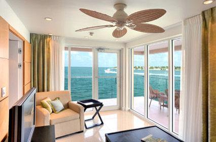The Pier House Resort - Dockside Suite Living Room