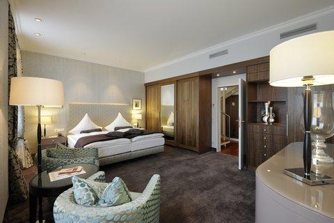 Kastens Hotel Luisenhof - Tower Suite at Kastens Hotel Luisenhof Hanover