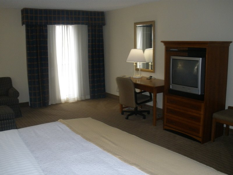 All Suites Hotel - Jackson, TN