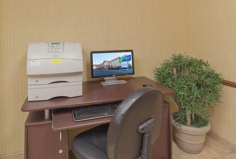 Holiday Inn Express Hotel And Suites Bishop - Business Center