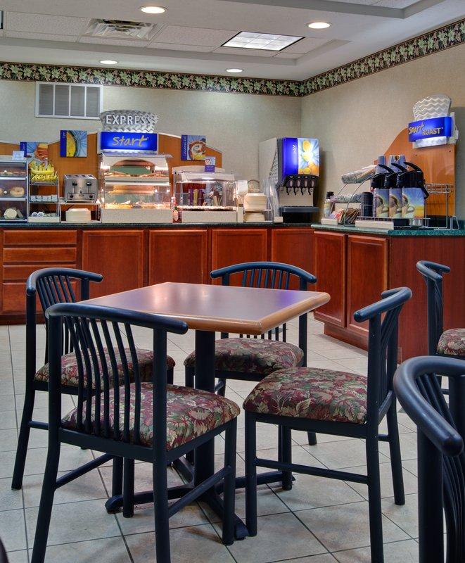 Holiday Inn Express & Suites CADILLAC - Harrietta, MI
