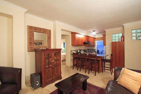 Bantry Beach Luxury Suites - 2 Bedroom Suite