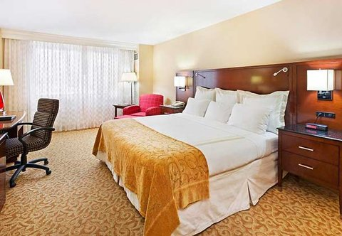 Chattanooga Marriott Downtown - King Guest Room