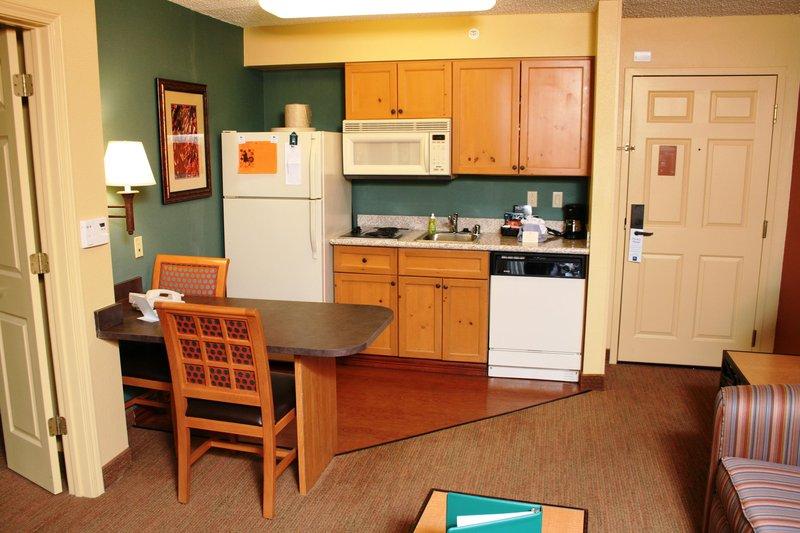 Homewood Suites by Hilton Albuquerque Uptown バー/ラウンジ