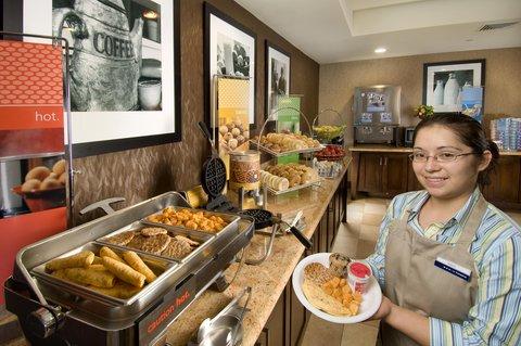 Hampton Inn Waco - Breakfast Bar   Hostess