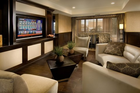 Hampton Inn Waco - Lobby Seating Area