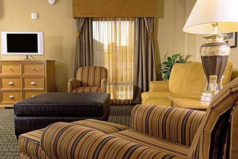 Hampton Inn - Suites Albany-Downtown - Executive Suite Seating