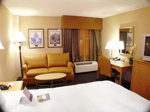 Hampton Inn - Suites Albany-Downtown - Two Queen Beds