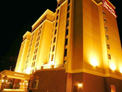 Hampton Inn - Suites Albany-Downtown - Full Exterior at Night