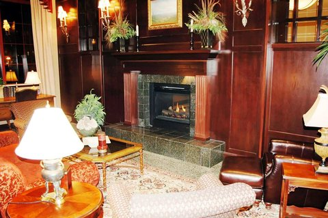 Hampton Inn - Suites Albany-Downtown - Lobby With Fireplace