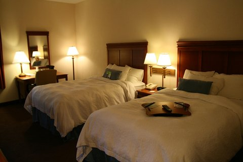 Hampton Inn Albany-Wolf Road - Double Bed Guest Room
