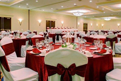 DoubleTree by Hilton Hotel Annapolis - Mainsail Ballroom Wedding
